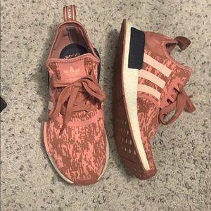Adidas pink NMD R1